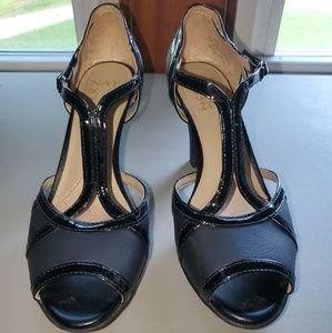 🆕️ EUC Naturalizer Black Heels Size 6.5M